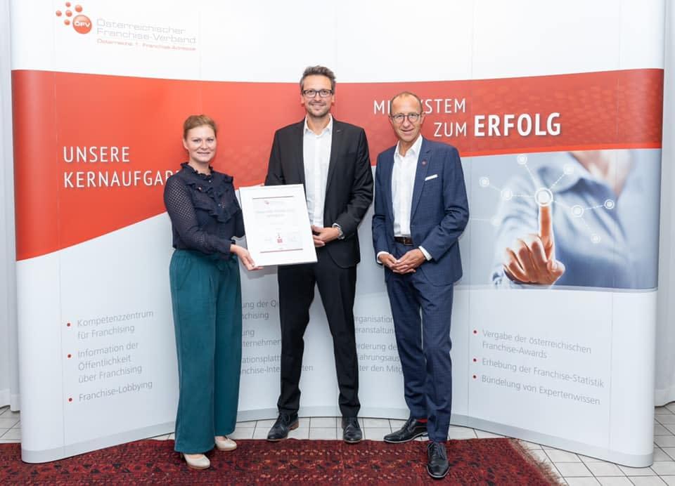 """Überreichung des Franchise-Award als """"Bestes Franchise-System 2020"""""""